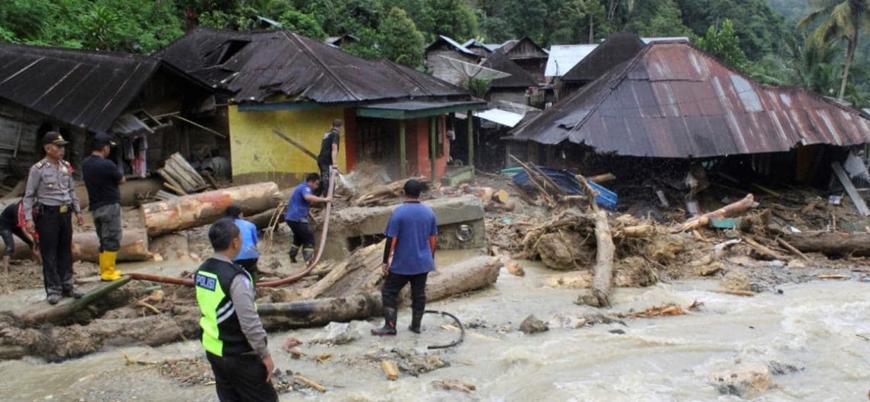 Endonezya'da sel felaketi can aldı: En az 58 ölü