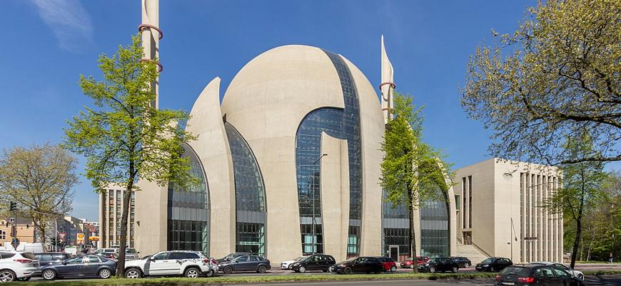 Almanya'da camilerin saldırılara hedef olabileceği uyarısı yapıldı
