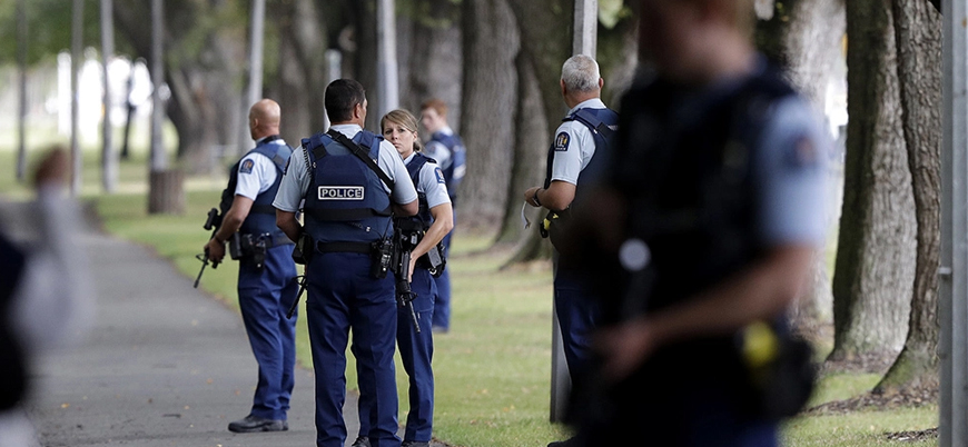 Yeni Zelanda polisi: Camilere tek bir kişi saldırdı