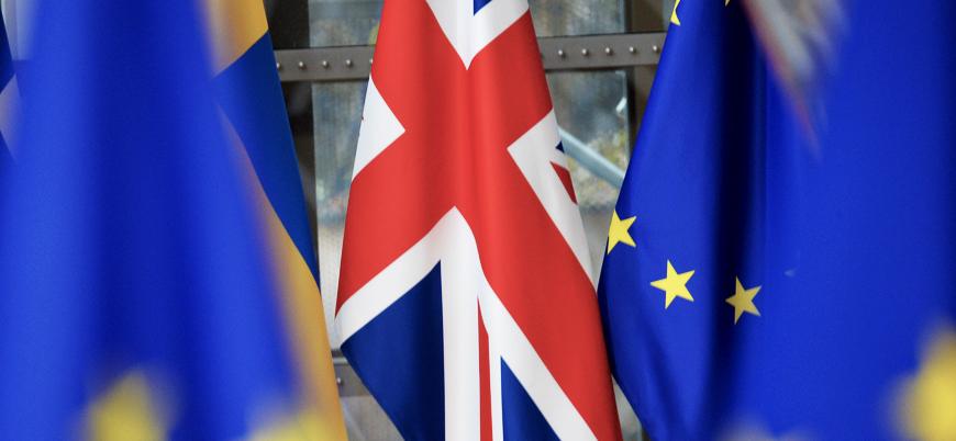 Merkel'den Brexit yorumu: Düzenli ayrılma için son ana kadar çalışacağım