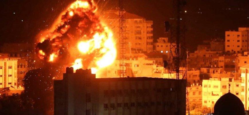 İsrail Hamas lideri İsmail Heniyye'nin ofisini bombaladı