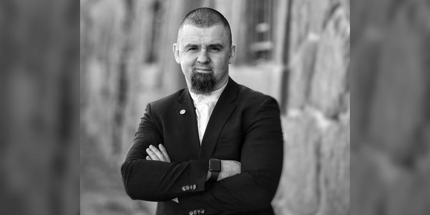 Prag'da Müslümanlara silahlanma çağrısı yapan imam görevden alındı
