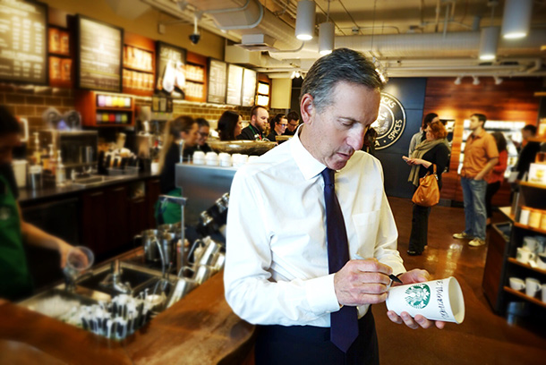 Trump'a tepki gösteren Starbucks'tan 10 bin mülteciye iş imkanı