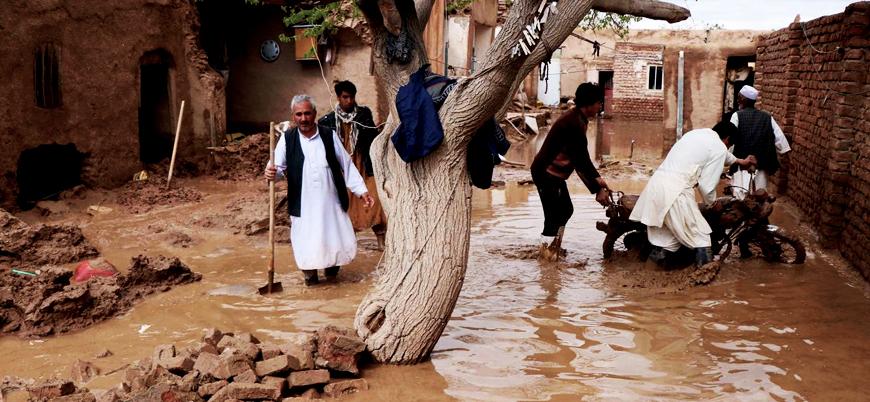 Afganistan'da ölü sayısı yükseliyor: Sel 32 can aldı