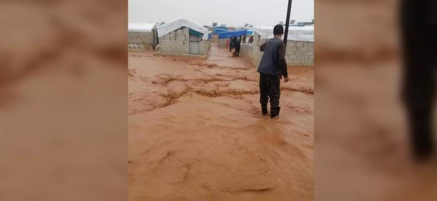 Suriye'nin kuzeyindeki çadır kentleri sel vurdu