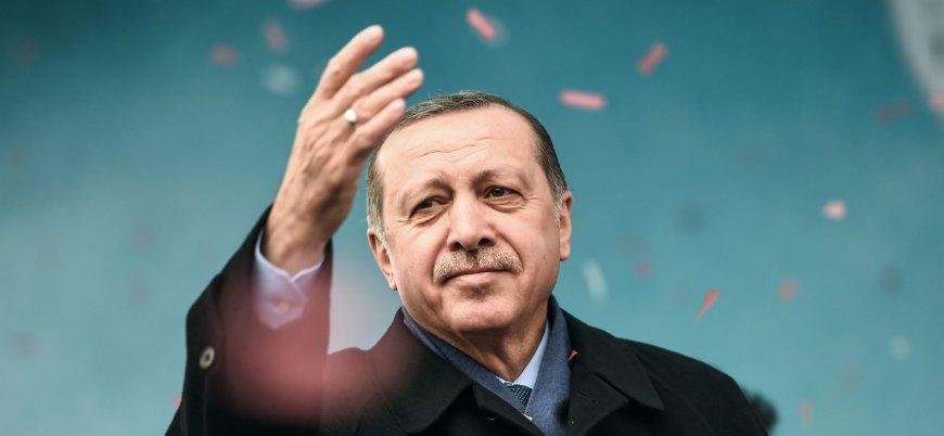 """""""Erdoğan AK Parti Genel Başkanlığı'nı güvendiği bir isme bırakabilir"""""""