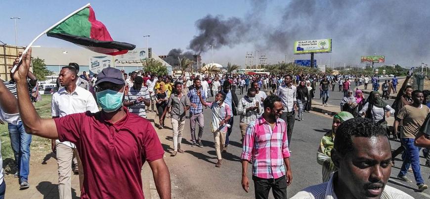 Darbe söylentileriyle gündeme oturan Sudan'da bugüne nasıl gelindi?