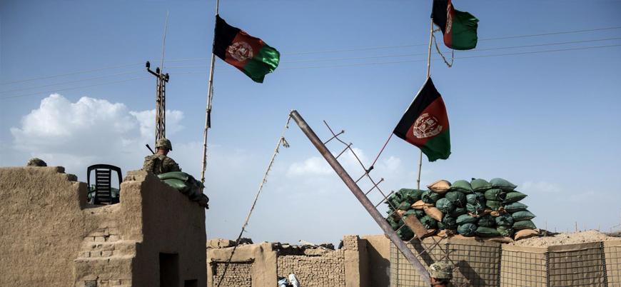 Afganistan'ın güneyinde askeri üsse Taliban saldırısı: 39 ölü
