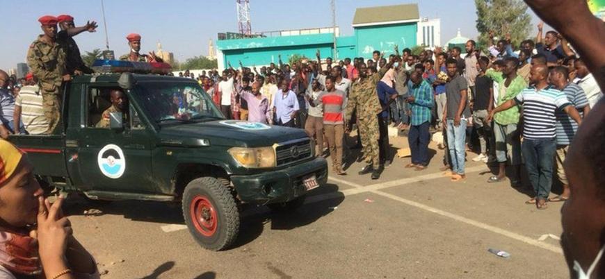 Sudan'da ordudan protestoculara müdahale