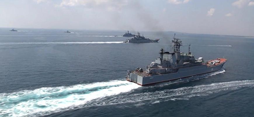 Rusya Karadeniz'de NATO tatbikatı sırasında askeri eğitim düzenledi