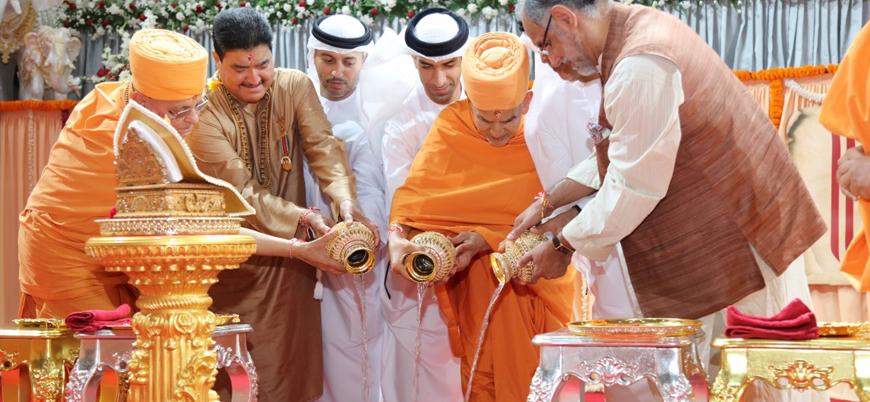 BAE'de ilk Hindu tapınağının temeli atıldı