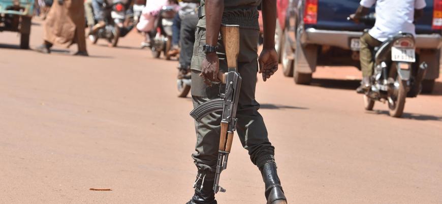 Mali'nin orta kesiminde ordu güçlerine saldırı: 16 asker öldü