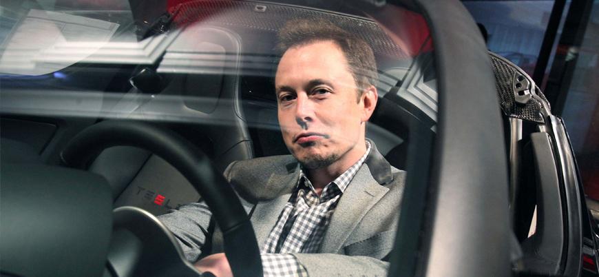 Elon Musk: Bir milyon robot taksi 2020'de yollarda olacak