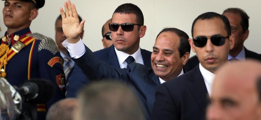 Mısır'da Sisi'ye 2030'a kadar iktidar yolu açan referandum sonuçlandı