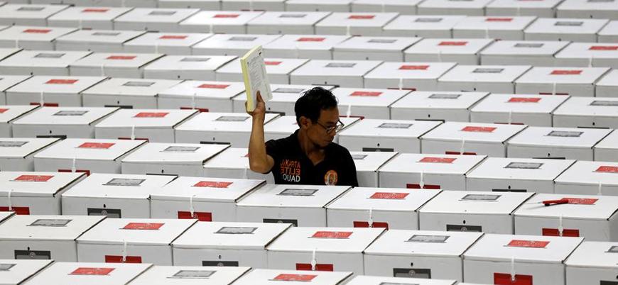 Endonezya'da 272 sandık görevlisi 'aşırı çalışmaktan' öldü