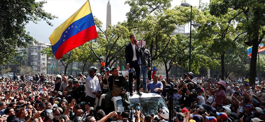 Venezuela'da askeri darbe girişimi başarısız oldu, halk sokaklarda