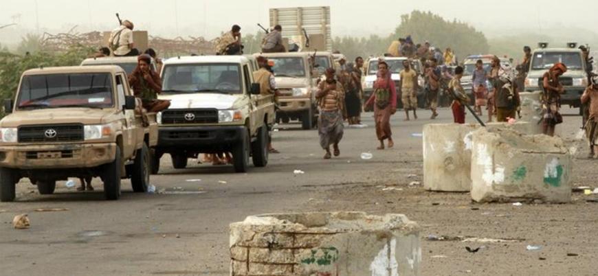 Husiler Hudeyde Limanı'ndan çekiliyor
