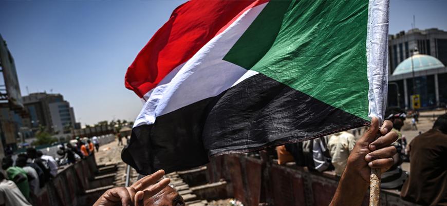 Sudan'da cunta ve göstericiler yeni dönem için anlaştı