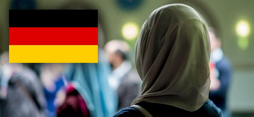 Almanya'da ilkokullarda başörtüsü yasağı gündemde