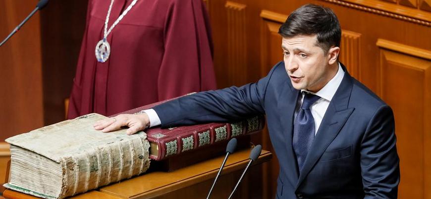 Ukrayna'da göreve başlayan Zelenskiy'den erken seçim kararı