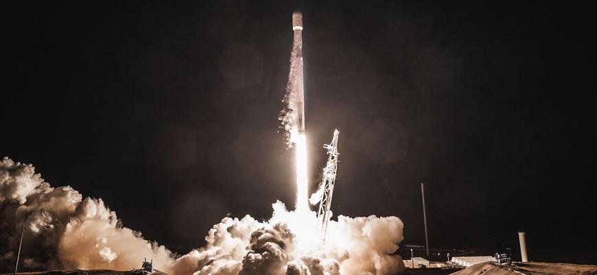 SpaceX 'ucuz internet' projesi Stralink'in 60 uydusunu uzaya gönderdi