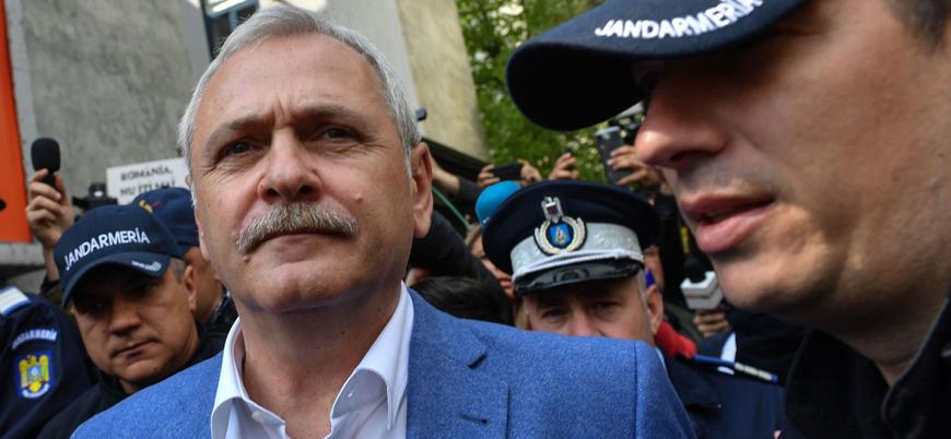 Romanya'da iktidar partisi lideri cezaevine gönderildi