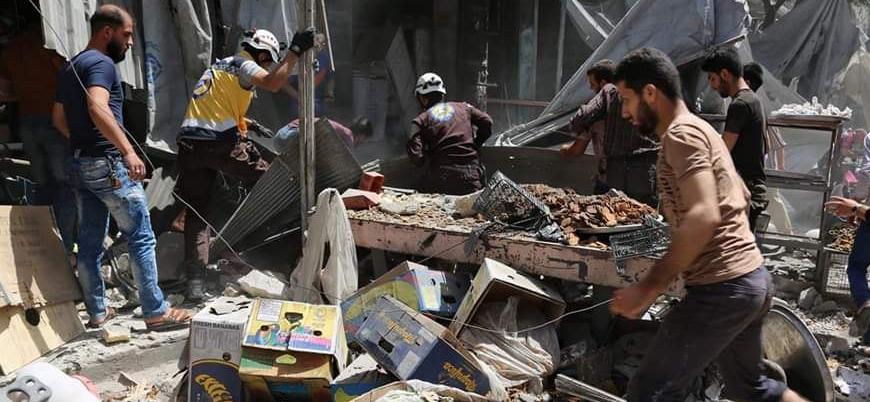 Rusya ve Esed rejimi İdlib'de pazar yerini bombaladı: Ölü ve yaralılar var