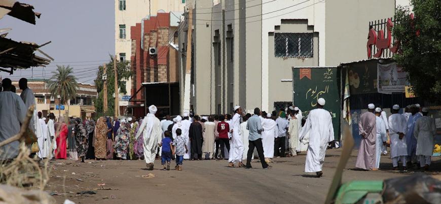 Sudan bayramda 'kan gölüne döndü': Başkent Hartum'da ölü sayısı 100'ü aştı