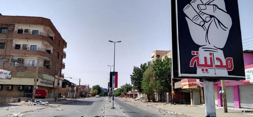 Sudan'ın başkenti Hartum'da sivil itaatsizlik eylemleri başladı