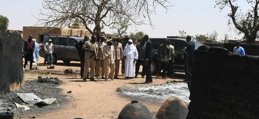 Mali'de silahlı saldırı: 100'den fazla ölü