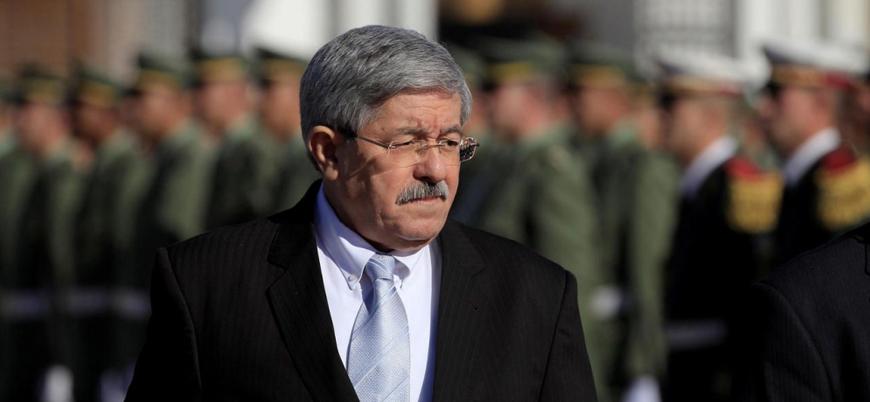 Cezayir eski başbakanı Ahmed Uyahya yolsuzluktan tutuklandı