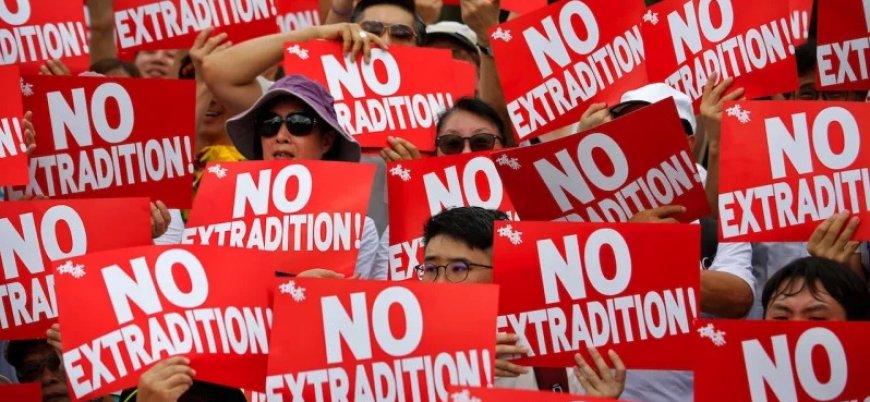 Hong Kong'da gösteriler sonuç verdi: 'Suçluların Çin'e iadesi' yasa tasarısı askıya alındı