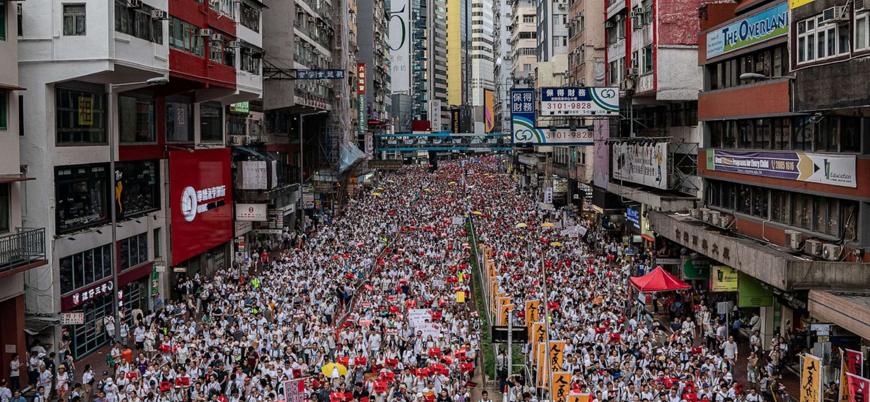 Hong Kong'da 'suçluların Çin'e iadesi' yasa tasarısı askıya alınmasına rağmen gösteriler sürüyor