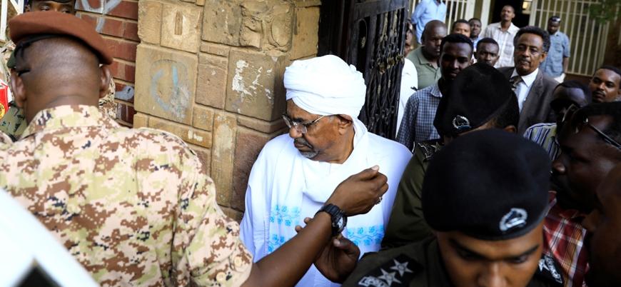 Ömer el Beşir Sudan'daki darbe sonrası ilk defa görüntülendi