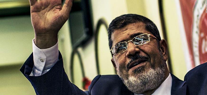 Eski Mısır Cumhurbaşkanı Muhammed Mursi mahkemede hayatını kaybetti