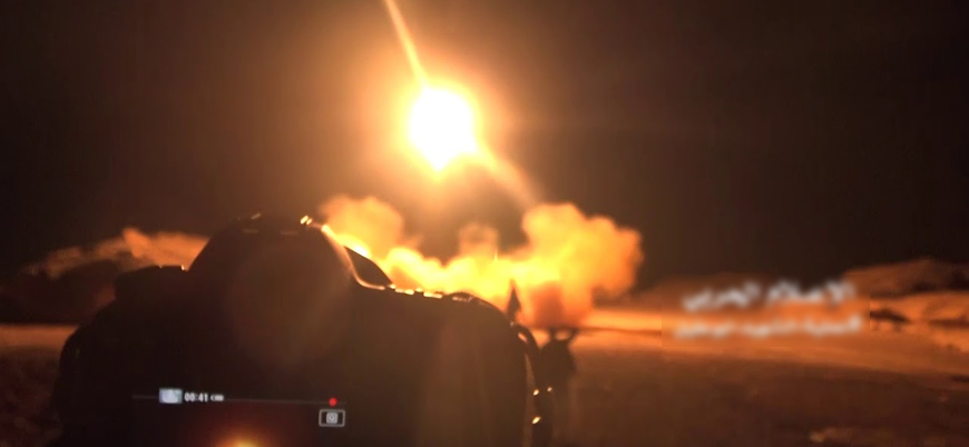 İran destekli Husiler Suudi Arabistan'ın güneyinde hava alanlarını vurdu