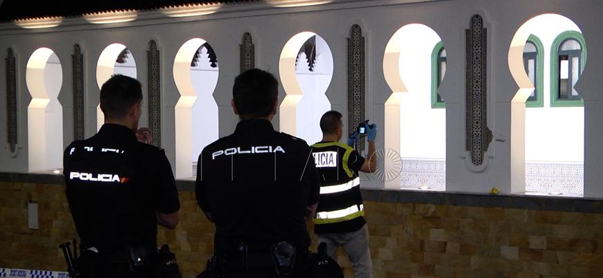 İspanya'da camiye silahlı saldırı