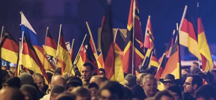 """""""Alman güvenlik güçleri sağa kayıyor"""""""