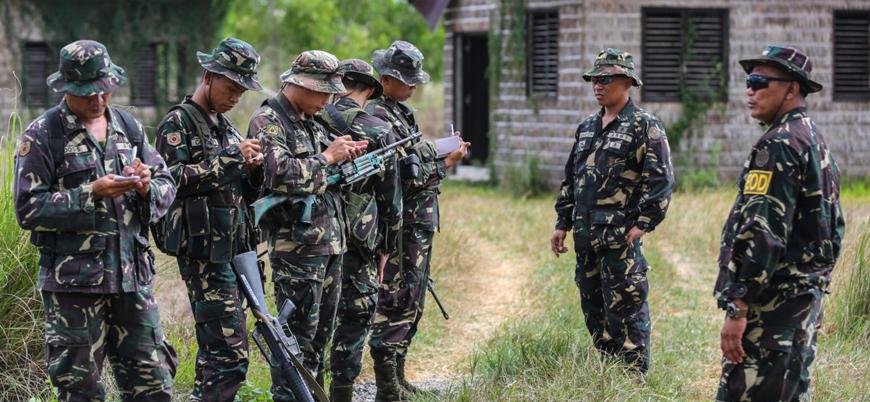 Filipinler'in güneyinde askeri üsse IŞİD saldırısı