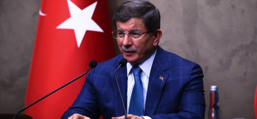 İhracı istenen Ahmet Davutoğlu AK Parti'den istifa etti