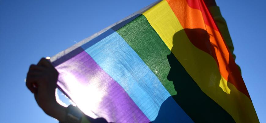 Ticaret Bakanlığı'ndan LGBT temalı ürünlerin satışında +18 ibaresi şartı