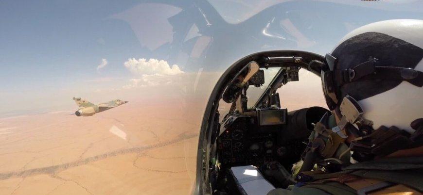 Türkiye Esed rejimine ait L-39 savaş uçağını düşürdü