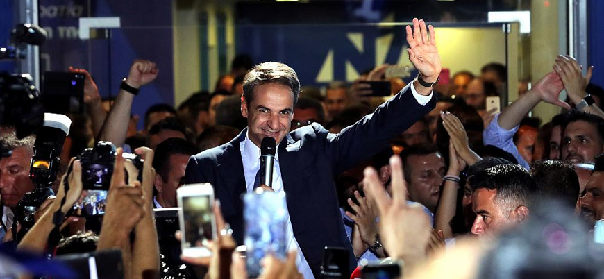 Yunanistan'da erken seçimin galibi merkez sağcı Miçotakis