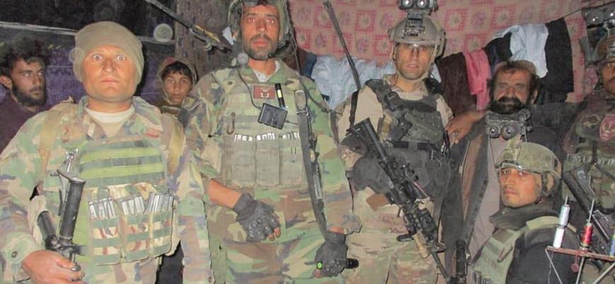 Afganistan'da 39 polis Taliban'a teslim oldu