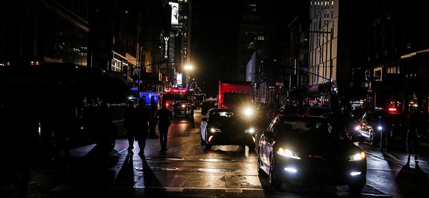 New York 42 yıl sonra ilk kez elektriksiz kaldı