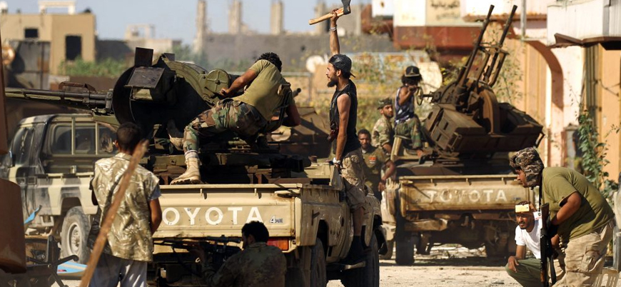 Libya'da Hafter güçleri Serrac'a ait silah deposunu vurdu