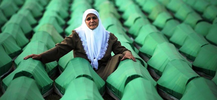 Hollanda'da Yüksek Mahkeme ülkelerini Srebrenitsa katliamında suçlu buldu