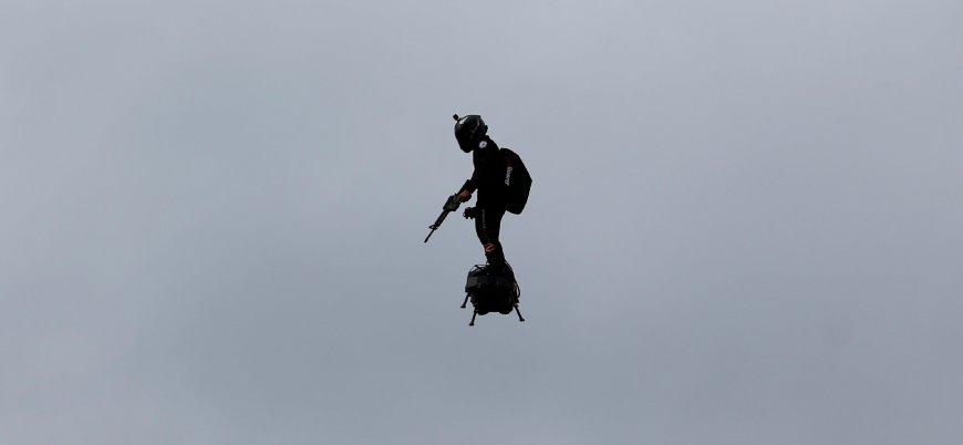 Fransız mucit Franky Zapata uçan kaykayıyla Manş Denizi'ni geçmeyi deneyecek