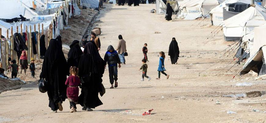 IŞİD mensuplarının çocukları çöldeki kamplarda yaşam mücadelesi veriyor