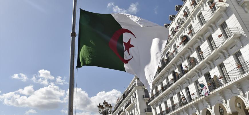 Cezayir'de Adalet Bakanı görevden alındı